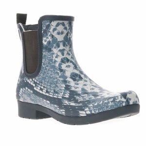 NWT Chooka Chelsea Gray Snakeskin Rain Bootie